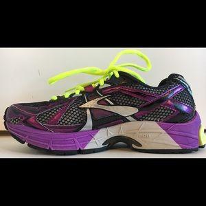 BROOKS RAVENNA 4 Athletic Running Shoes